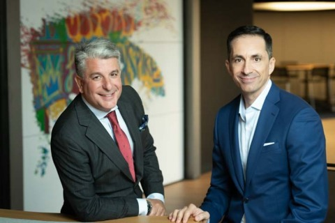 Juan Pedro Moreno, country managing director for Spain, Portugal and Israel at Accenture (left) and Pedro Agudo, CEO and co-founder of Pragsis Bidoop (right) (Photo: Business Wire)