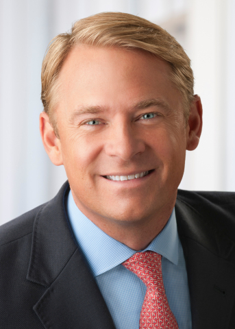 Will Fuller, EVP, president of Annuities, Lincoln Financial Distributors and Lincoln Financial Network, was recognized by the Insured Retirement Institute as the recipient of their 2019 Industry Champion of Retirement Security award. (Photo: Business Wire)
