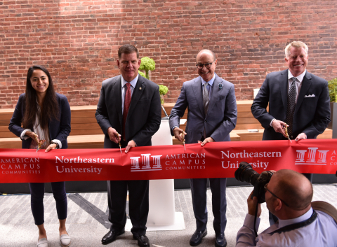Celebrating the opening of LightView student housing in Boston with Laura Bilal, LightView resident, Boston Mayor Martin J. Walsh, Northeastern University President Joseph Aoun, American Campus Communities EVP Public Private Transactions Jamie Wilhelm. (Photo: Business Wire)