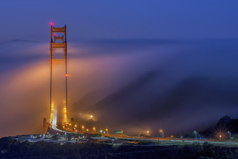 Golden Gate Bridge during a low fog event (Jay Huang, USA)