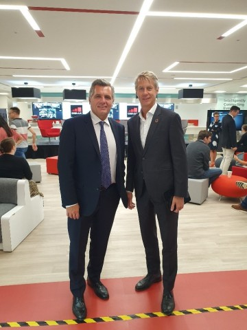 Turkcell CEO Murat Erkan yesterday visited the GSMA London Office to meet Mats Granryd, Director General of the GSMA and attend the GSMA staff meeting. (Photo: Business Wire)