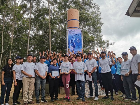 "Watts employees, customers and Planet Water recently built two ""AquaTowers"" at two schools in Sa Kaeo that collectively provide 2,000 people with 20,000 liters of clean water daily. (Photo: Business Wire)"