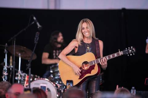 Sheryl Crow wows guests at the 25th Music Festival for Brain Health. (Photo: Business Wire)