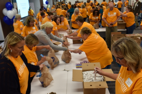 Over 100 employees helped kick off Anthem's annual Anthem Volunteer Days in Indianapolis and helped pack more than 6,000 backpacks for healthy food to be delivered to children in Central Indiana. (Photo: Business Wire)
