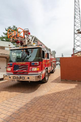 德拉瓦州埃爾斯米爾消防公司內的二氧化碳養護Solidia Concrete™鋪路磚,由EP Henry使用低碳Solidia Cement™製造(照片:美國商業資訊)