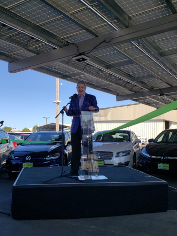 Henry Hansel of Hansel Auto Group at the ribbon cutting ceremony for its solar + NantEnergy energy storage installation in Santa Rosa, CA (Photo: Business Wire)