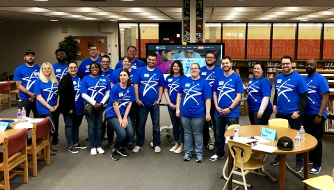 """U.S. Cellular and JASON Learning associates hosted nearly 100 Escuela Vieau School and Golda Meir School students at the """"Connected Storm Sanctuary"""" Milwaukee Day of Design Expo. (Photo: Business Wire)"""
