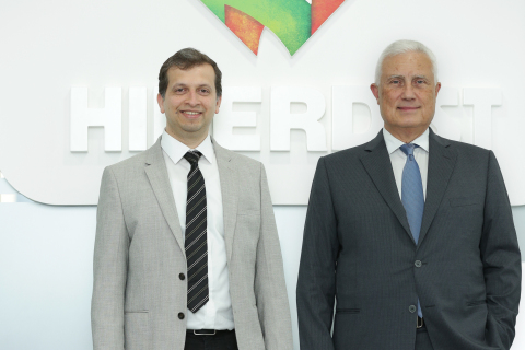 Dr. Kareh and Mr. Sansare at the Hiperdist UAE office (Photo: AETOSWire)