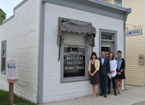 Out front of the High River Law Office (L-R): Laurene Mitchell of Heritage Park, Robin Lokhorst of McLeod Law, Lindsay Amadio of McLeod Law and Sarah Hughes of Heritage Park. (Photo: Business Wire)