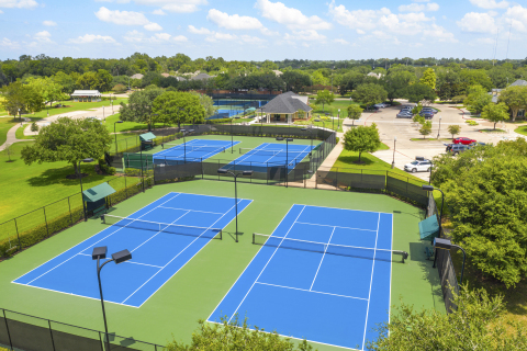 Sienna has welcomed 10 new model homes in its Heritage Park neighborhood as well as renovations at two long-standing amenity complexes, including the tennis center. (Photo: Business Wire)