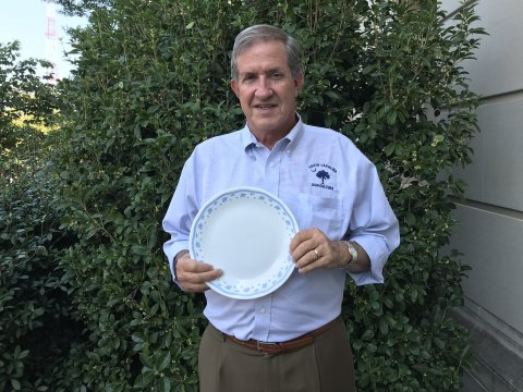S.C. Department of Agriculture Commissioner Hugh Weathers participates in Food Lion Feeds' #NoEmptyPlate social media contest. As a result of the tremendous participation in the effort, Food Lion Feeds is donating 1 million meals to Feeding America and its 30 food bank partners across Food Lion's 10-state footprint. (Photo: Business Wire)