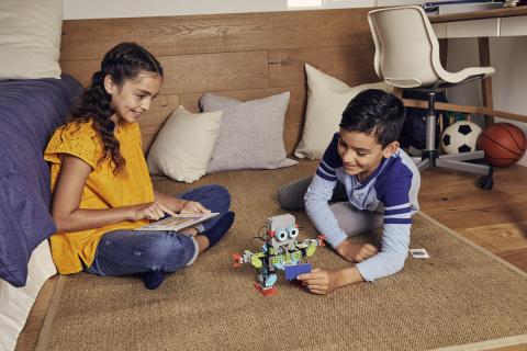 JIMU Robot: MeeBot 2.0 Kit (Photo: Business Wire)