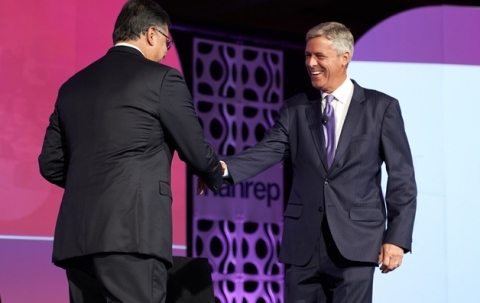 Radian's Senior Executive Vice President and Chief Franchise Officer Brien McMahon greets NAHREP Chief Executive Officer Gary Acosta at the 2019 NAHREP National Convention. (Photo: Business Wire)