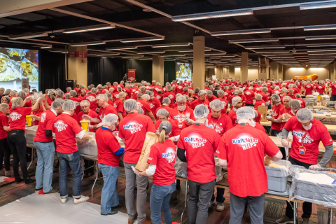 Kraft Heinz Employees To Pack One Million Meals in 24 Hours (Photo: Business Wire)