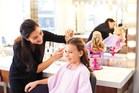 Girls can now join their favorite dolls for a day of pampering at the newly-renovated Salon at American Girl Place Chicago.  (Photo: Business Wire)