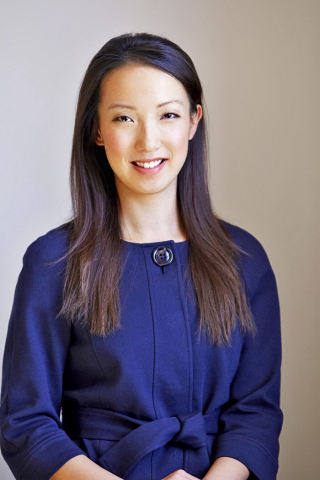 Hearsay Systems founder and CEO Clara Shih was recognized as Fintech Woman of the Year by Finovate. (Photo: Business Wire)