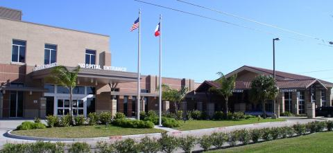 South Texas Surgical Hospital uses a CARESTREAM DRX-Revolution Mobile X-ray System and a CARESTREAM DRX-1 System to help improve user workflow and create efficiencies across its facility. (Photo: Business Wire)
