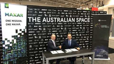 Maxar CEO Dan Jablonsky (left) signed a cooperative agreement on Oct. 22 with Anthony Murfett, Deputy Head of the Australian Space Agency. (Photo: Business Wire)