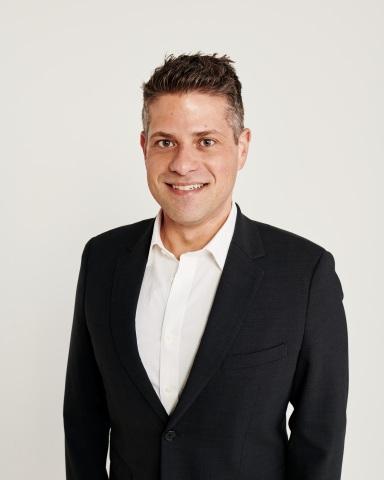 トミー ヒルフィガー・グローバル最高マーケティング責任者のマイケル・シャイナー(写真:ビジネスワイヤ)