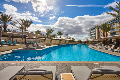 Allure Pool at Viejas Casino & Resort (Photo: Business Wire)