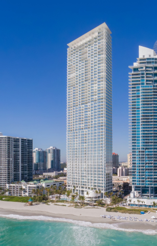 The award-winning Jade Signature in Sunny Isles Beach, created by Herzog & de Meuron and developed by Fortune International Group. (Photo: Business Wire)