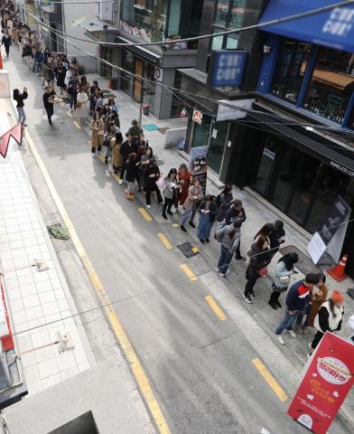 ファッション・ビューティー企業のBUGUN FNC株式会社が運営するブランドのイムブリーとブリーブリーによるオフライン販売イベント「ブリーマーケット」で単独売り場として2億ウォンの売り上げを達成したと発表した。日本、中国、マレーシアなど外国人の顧客を含めて2日間で3,300人余りが来場し、イムブリーとブリーブリーの人気の高さを証明した。 (写真:ビジネスワイヤ)
