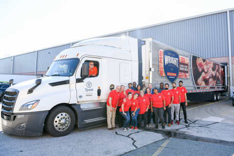 Dash In and Tyson Foods partnered to donate over 36,000 pounds of food to the Food Bank of Delaware. Photo credit: Ana Isabel Martinez Chamorro