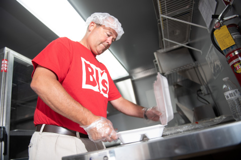 BJ's Charitable Foundation helps expand access to quality food with $1 million donation to Feeding America on Oct. 29, 2019. (Photo: Business Wire)