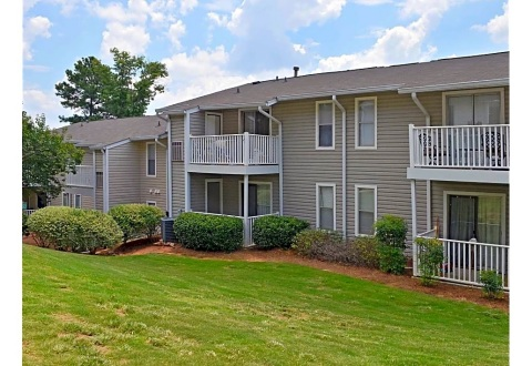 Besyata Investment Group and The Scharf Group Acquired a 700 Unit Multifamily Complex in Atlanta, GA. (Photo: Business Wire)