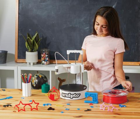 Sculpto 3D printer (Photo: Business Wire)