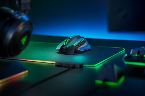The new Razer Basilisk Ultimate features 11 programmable buttons, 14 uniquely customizable RGB lighting zones, and the Focus+ Optical sensor. (Photo: Business Wire)