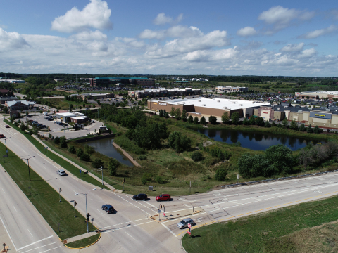 Aerial View of Grafton Commons Shopping Center, Grafton, WI (Photo: Business Wire)