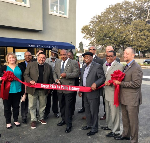 Joined by Mayor James T. Butts, Jr. and Inglewood City Council members, PulteGroup's Southern California Division officially unveiled Grace Park by Pulte Homes in a celebratory ribbon-cutting ceremony on Thursday. (Photo: Business Wire)