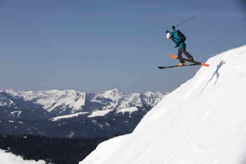 Mountain Hardwear Extends GORE-TEX Partnership to Create Ski Collection (Photo: Business Wire)