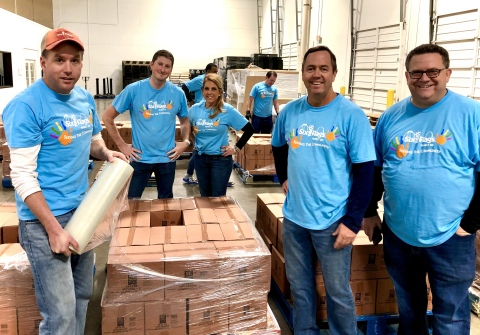 Six Flags team members participate in the company's annual Project 6 day. (Photo: Business Wire)