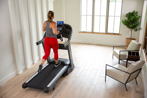 Horizon 7.8AT Treadmill (Photo: Business Wire)