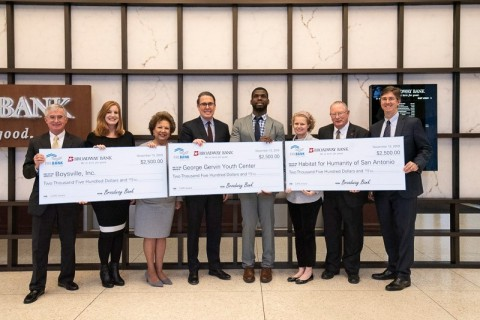 Broadway Bank, an FHLB Dallas CARE Award recipient, awarded $2,500 grants to three San Antonio community-based organizations. (Photo: Business Wire)