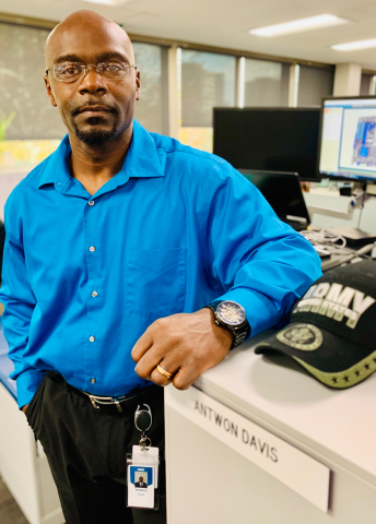 After 20 years in the Army, Retired Army 1st Sgt. Antwon Davis has begun a second career as a GEICO IT software analyst. (Photo: Business Wire)