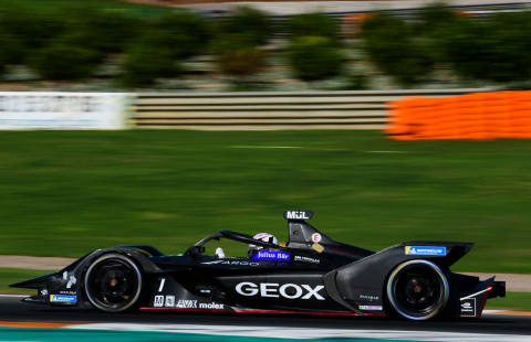 Mouser Electronics is proud to once again team up with TTI, Inc., Molex and AVX to sponsor the GEOX DRAGON racing team as they kick off the Formula E racing season with double-header races, Nov. 22 and 23, at the Diriyah E-Prix outside Riyadh, Saudi Arabia. (Photo: Business Wire)