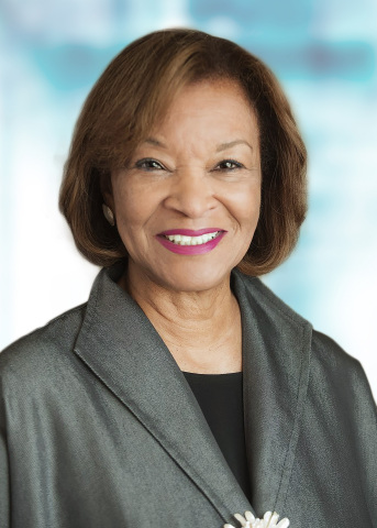Carolyn Flowers (Photo: Business Wire)