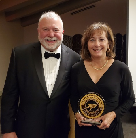 Fulton Bank's Debra Hamilton (right), chief learning & development officer, and Dr. Terry Hildebrandt, master corporate executive coach, Terry Hildebrandt and Associates, LLC, display Fulton's MEECO Award. (Photo: Business Wire)