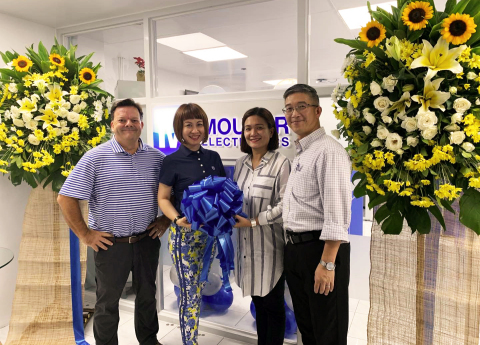 Mouser Electronics executives celebrate the grand opening of the company's newest customer service center, located in Manila, Philippines. (Photo: Business Wire)