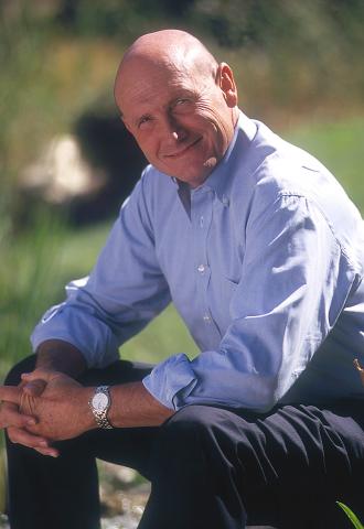 Hyrum W. Smith (Photo: Business Wire)