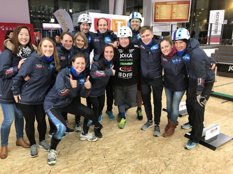 P&G Firmenteam bei der Roller Biathlon Challenge. (Photo: Business Wire)