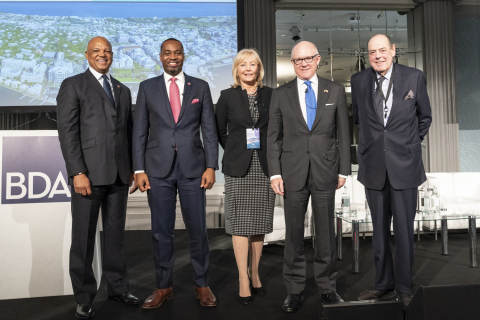 The opening keynote speakers at the Bermuda Executive Forum London 2019: (from left to right) Roland Andy Burrows, CEO of the BDA, The Hon. David Burt, JP, MP, Premier, Government of Bermuda, Fiona Luck, Non-Executive Director, Lloyd's of London Franchise Board, Robert Wood Johnson, Ambassador of the United States of America to the United Kingdom of Great Britain and Northern Ireland and The Rt. Hon. Sir Nicholas Soames, Former Conservative Member of Parliament (Photo: Business Wire)