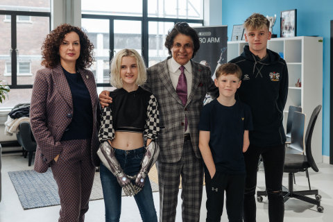 Tej Kohli Foundation co-Founder Wendy Kohli, Tilly Lockey wearing Open Bionics arms, Tej Kohli Foundation co-Founder Tej Kohli, future Hero Arm recipient Jacob Pickering, future Hero Arm recipient Harris Gribble (Photo: Business Wire)