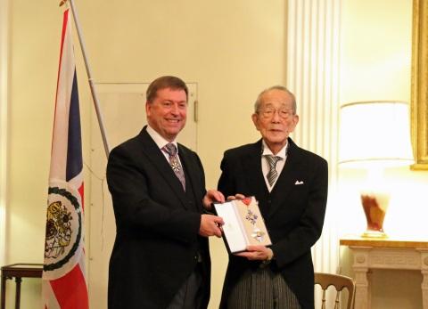 Paul Madden, the British Ambassador to Japan (left), and Kazuo Inamori (right) (c) British Embassy Tokyo (Photo: Business Wire)