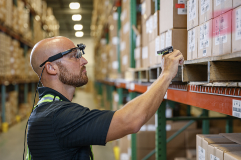 New Zebra warehouse solution increases worker productivity up to 24 percent (Photo: Business Wire)