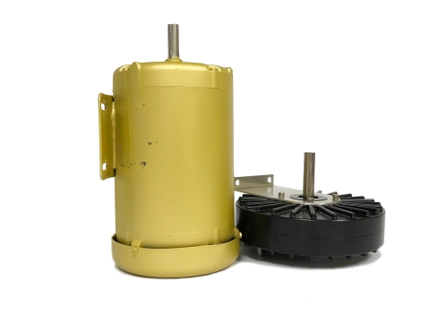 A common 1HP motor (left) compared to Infinitum Electric's 1HP motor (right). (Photo: Business Wire)