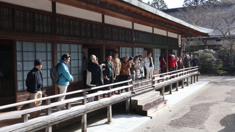 Visit to a temple in Koyasan, Wakayama Prefecture (Photo: Business Wire)